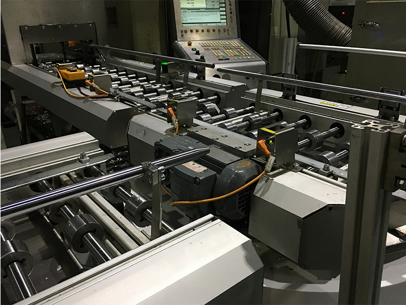 Cylinder block conveying line