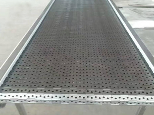 What are the advantages of chain conveyor?
